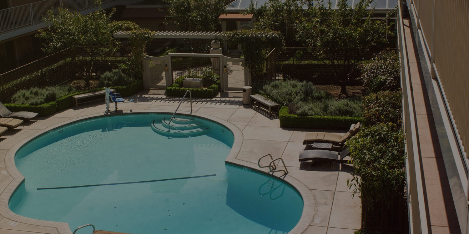 ENJOY OUR ON-SITE AMENITIES AND GARDEN-LIKE SETTING LUSH LANDSCAPING AND SPARKLING POOL OFFER A RELAXING ENVIRONMENT