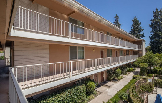 San Joaquin Hotel SureStay Collection by Best Western - Exterior Corridors