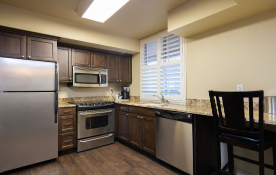San Joaquin Hotel SureStay Collection by Best Western - Full Kitchen