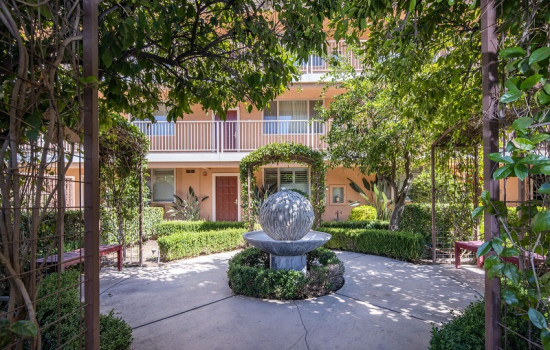 San Joaquin Hotel SureStay Collection by Best Western - Quiet Garden Setting
