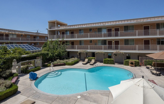 San Joaquin Hotel SureStay Collection by Best Western - Courtyard View