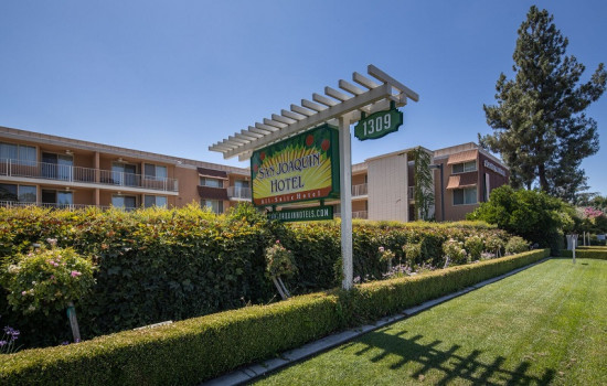 San Joaquin Hotel SureStay Collection by Best Western - Exterior View